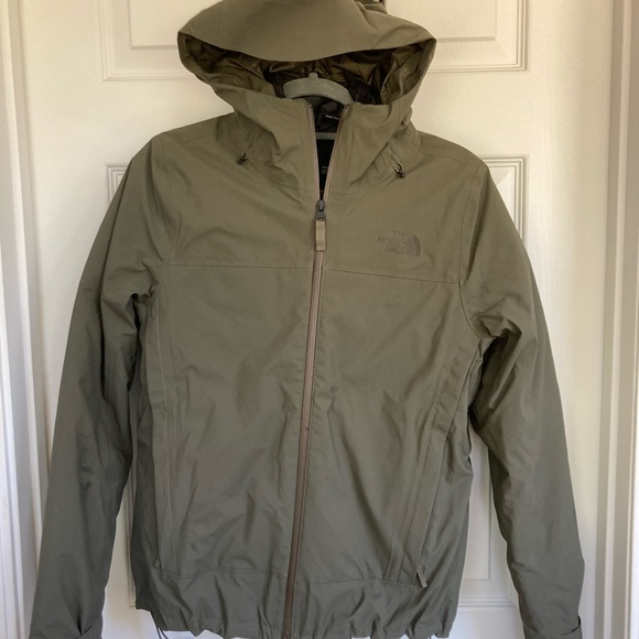 Brand new The North Face Women's Mountain Light FUTURELIGHT Tri climate jacket